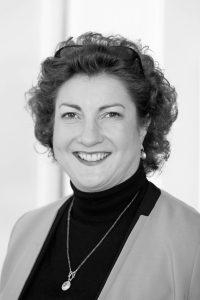 Katharina C. Hamma ist Geschäftsführerin der Koelnmesse und als Chief Operating Officer (COO) operativ nicht nur für die Kind + Jugend, sondern für alle Eigenveranstaltungen des internationalen Messeveranstalters verantwortlich. In ihrer beruflichen Laufbahn hat sie das Messegeschäft aus vielen Perspektiven kennengelernt.