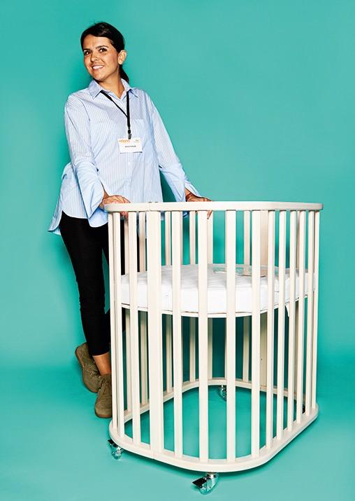 anita trtinjak von noona mit umbaubarem babybettchen. Black Bedroom Furniture Sets. Home Design Ideas