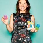Sara Keel, Director von Babycup, mit Kinderbecher