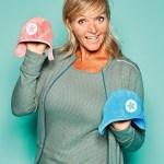 """Anneke Luiks, Account Manager von Kik kid, mit Babymütze """"Speedy"""""""