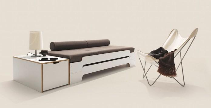 Ein moderner Klassiker: Nicht alles, was im Jugendzimmer modern ausschaut, muss auch neu sein. Die Stapelliege von Rolf Heide wurde bereits 1966 entworfen.