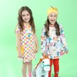 Leonie trägt Martinex (Kleid) | Eliana trägt Martinex (Kleid).