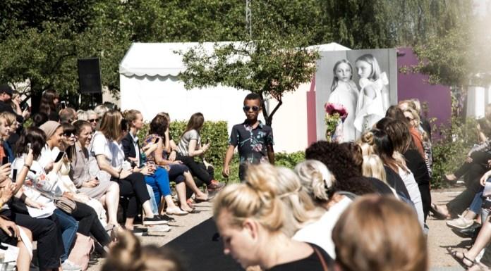 Ciff Kids mit einer Laufsteg-Schau vor der Ausstellungshalle.