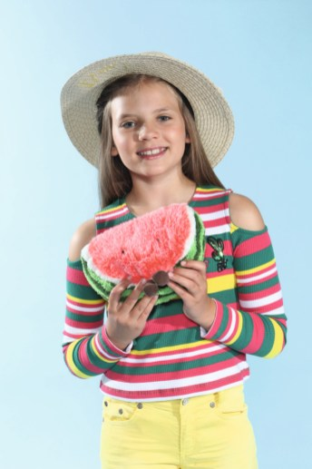 Taira mit Blue Effect, Hut von Maximo beim Childhood-Business-Shooting auf der Kids Now im Sommer 2018