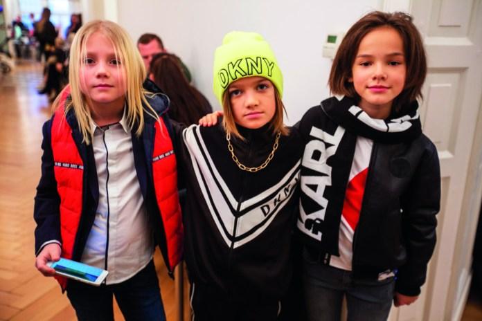 Gehoben geht es auf der Prisco Project Kids zu. Damit alles nicht zu distinguiert ausfällt, rocken die Groupies der CWF-Gruppe das Publikum durch.