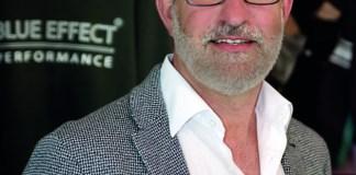 Ein Doppel, kein Einzel: Während der Inhaber und Produzent Gökhan Dogruol eher im Hintergrund wirkt, ist Peter Bohlender das Gesicht von Blue Effect – ein bescheidener Tausendsassa, der selber entwirft, was er verkauft.