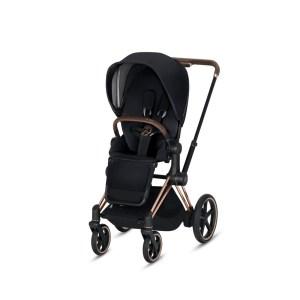 """Ab sofort unter Strom: Künftig wird es immer mehr Kinderwagen mit E-Antrieben geben. Davon gehen zumindest Hersteller wie Cybex mit dem ab Juli 2019 ausgelieferten """"e-Priam"""" und Emmaljunga mit dem für Ende 2019 angekündigten """"NXT90e"""" aus."""
