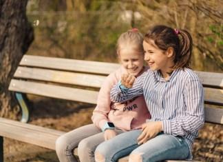 Die Smartwatch ist idealer Begleiter für alle Kinder, die zu jung für ein Smartphone, aber zu alt für Mamas oder Papas ständige Begleitung sind.