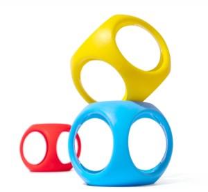 Oibo ist einzeln in Blau sowie als 3er Set in Primär- und Monochromfarben erhältlich.