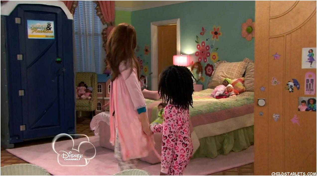 Peyton List  Skai Jackson  Disneys JessieA Dolls