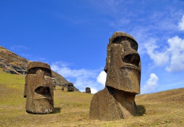 Resultado de imagen para imagenes moai isla pascua