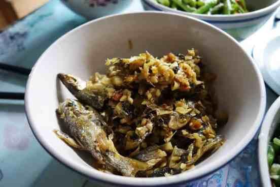 Fisch mit BaiLaJiao, der eine