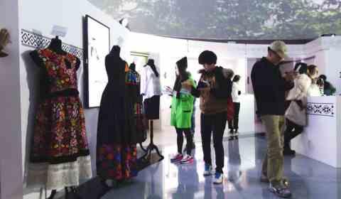 Alt-neue Kleiderordnungen
