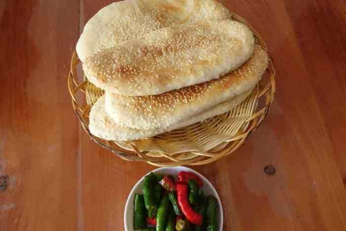 Henan-Brot und  eingelegtes Chaotianjiao
