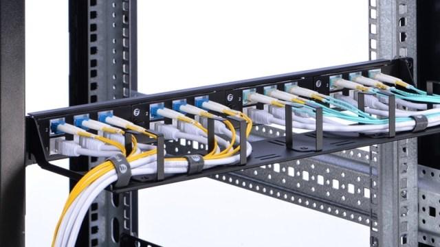 Server Rack Accessories: Patch Panel