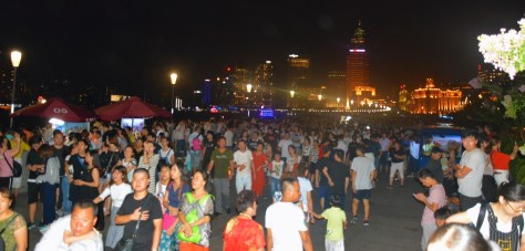 Shanghai, the Bund, Crowds