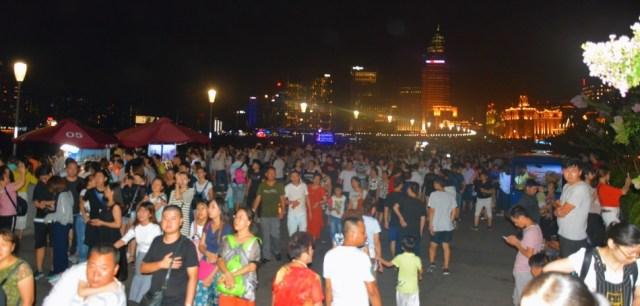 Shanghai, the Bund, Crowds