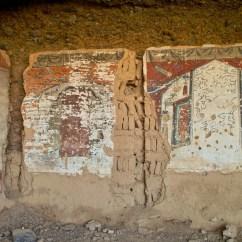 Buddhistische Malereien in den Höhlen