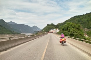 Die letzten Berge vor Chengdu.
