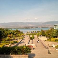 Der Qiong-See lädt zum Baden ein.