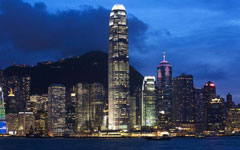 Hong Kong, Shanghai world's top shipping hubs