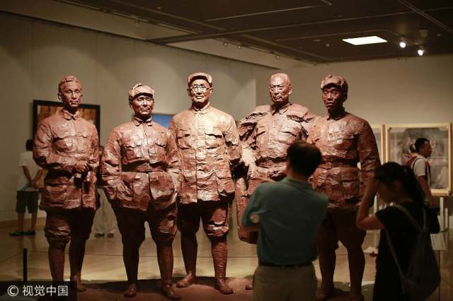 Art exhibition celebrates 90th anniversary of PLA's founding
