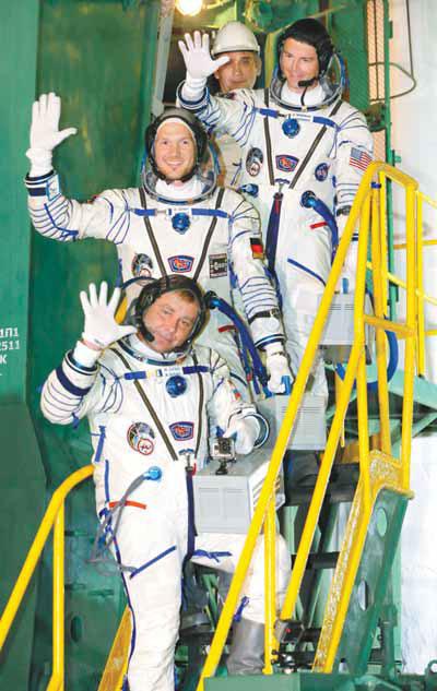Us Astronaut Reid Wiseman Top European Space Agency S German