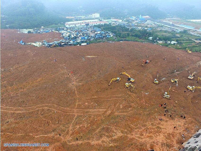Sube a 91 cifra de desaparecidos tras corrimiento de tierras en sur de China