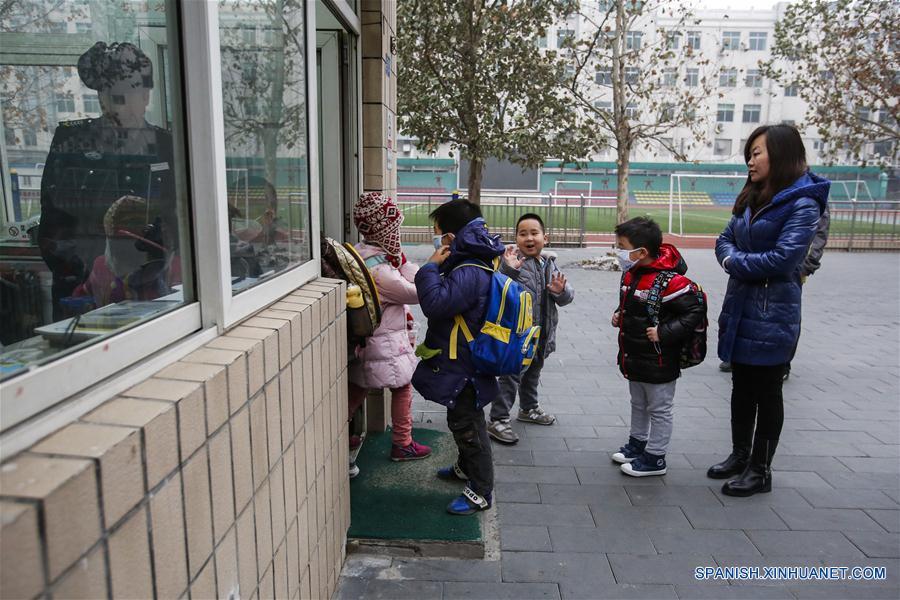 Titulares de China: Beijing emite primera alerta roja por contaminación