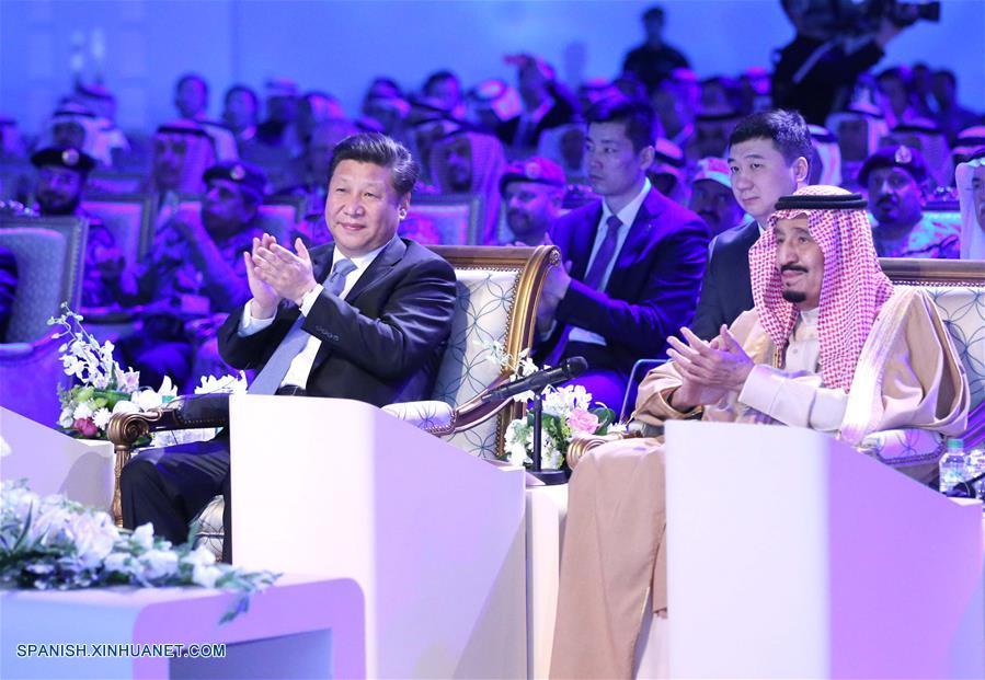 Presidente chino visita palacio histórico e inaugura refinería en Arabia Saudí