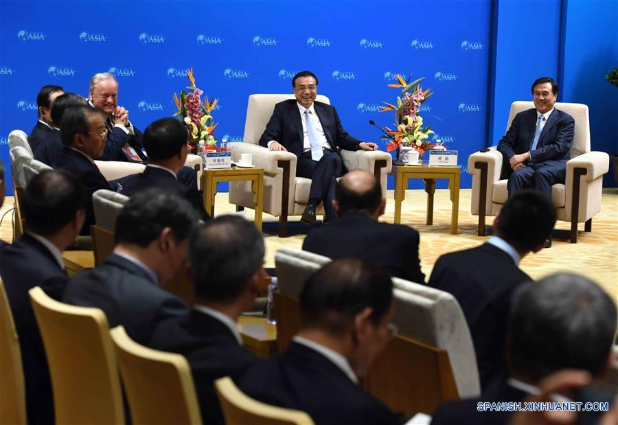 PM chino destaca cooperación global en reunión con empresarios en Boao