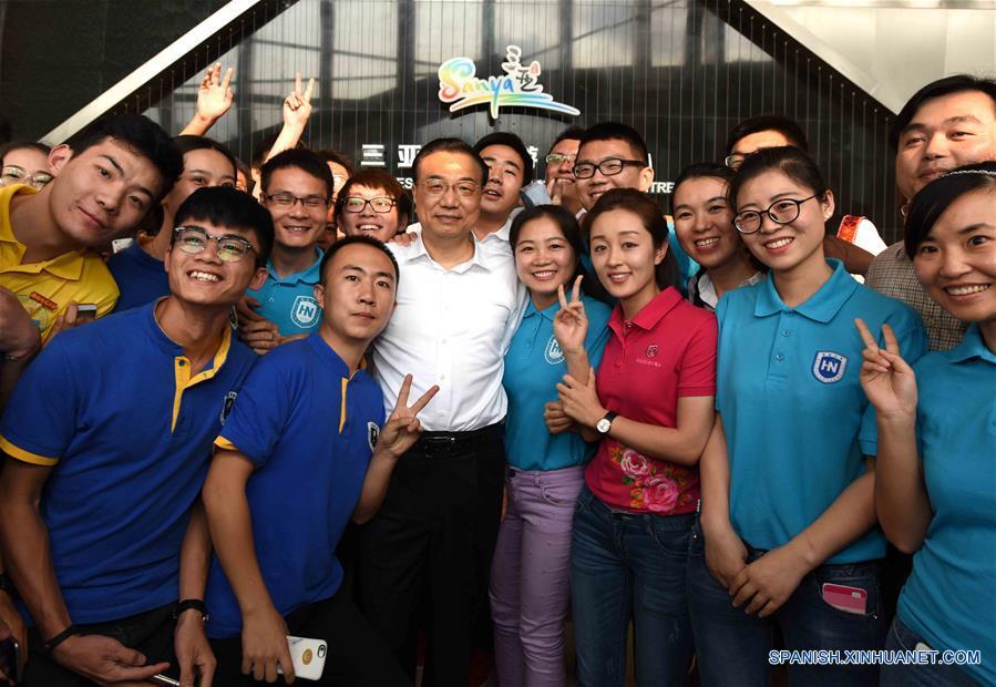 Primer ministro chino pide esfuerzos para desarrollar nueva economía