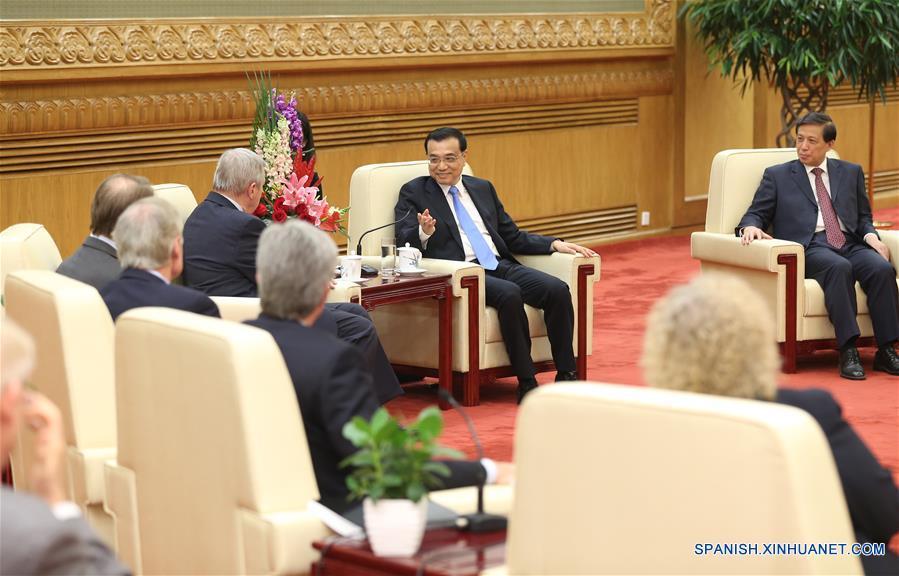 PM chino desea desarrollo duradero y sano de relaciones China-EEUU