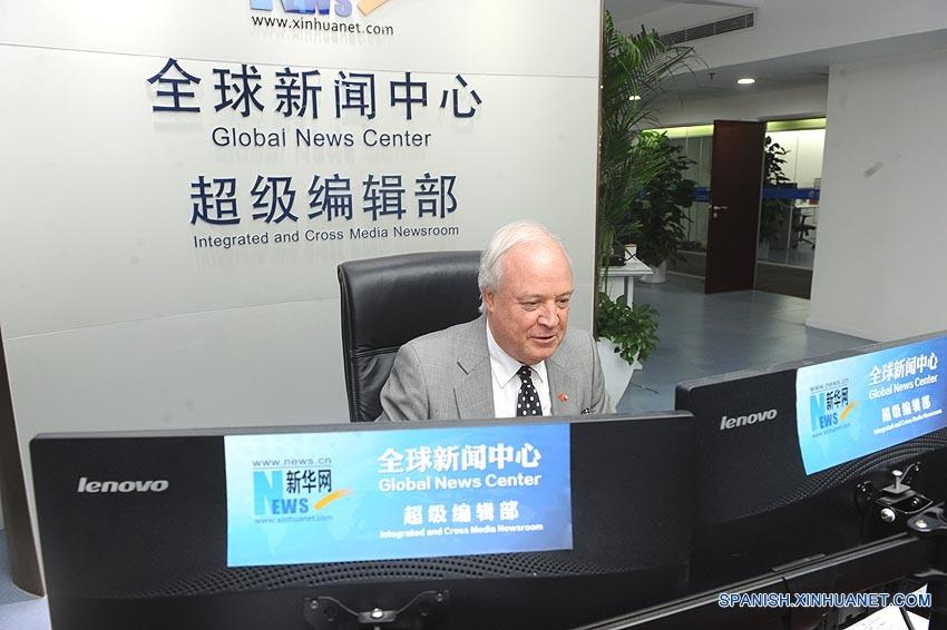 Embajador chileno evalúa cooperación informativa bilateral en visita a Xinhuanet