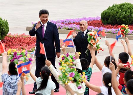 China y Camboya prometen amistad más estrecha