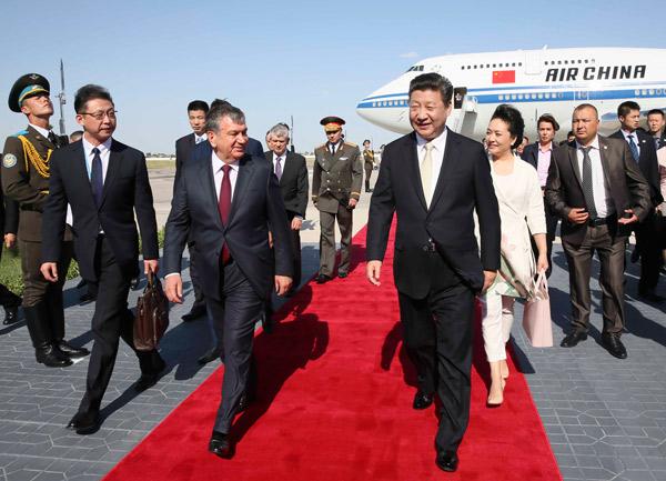 AMPLIACION: Presidente chino inicia visita a Uzbekistán en ciudad histórica de Bujará