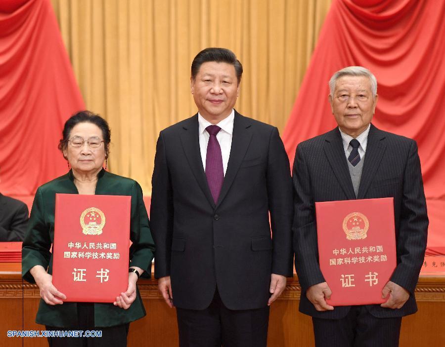 Físico y farmacóloga ganan máximo premio científico de China
