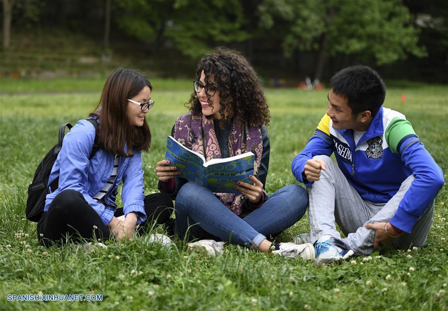 El número de estudiantes chinos en España creció en 2016 un 21%