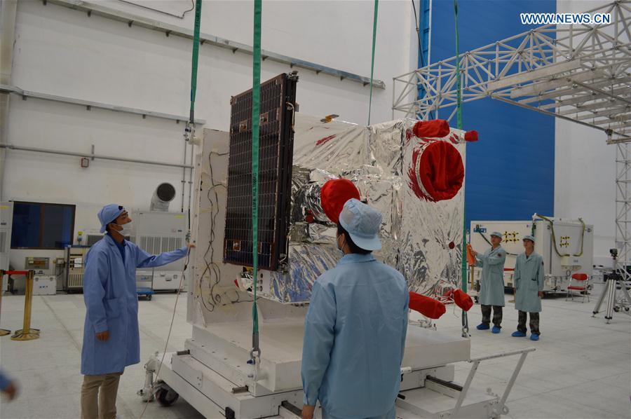 China desarrolla vehículo para transporte de satélites en órbita