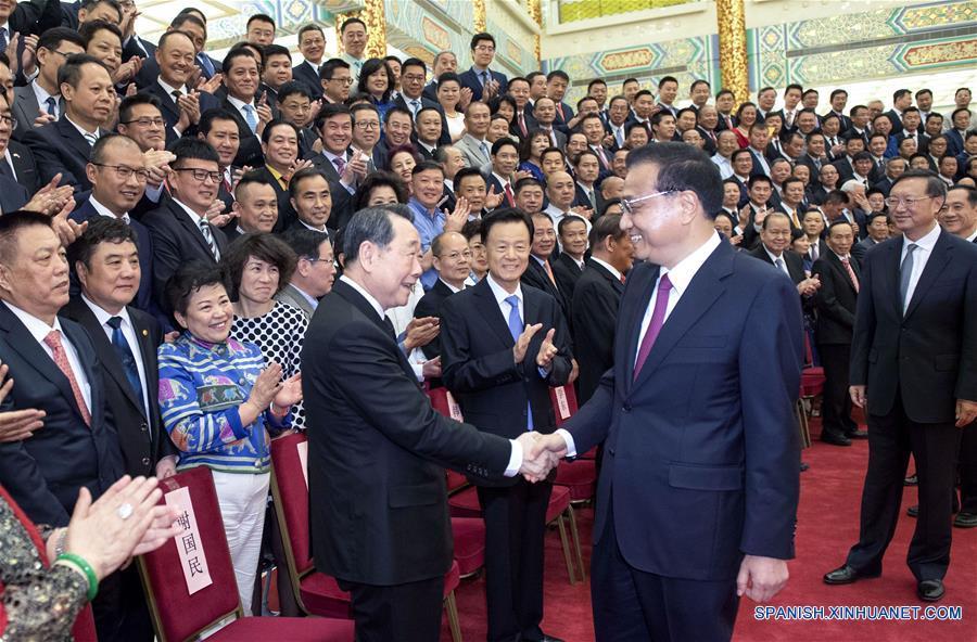 PM pide a chinos de ultramar participar en innovación y cooperación económica