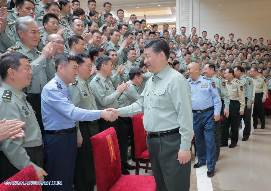 Xi pide construir instituciones de investigación de alto nivel para ejército fuerte