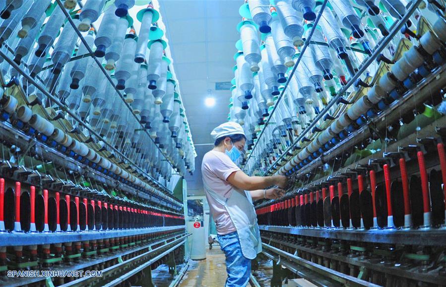 Xi pide que China y EEUU mantengan comunicación sobre cuestión comercial