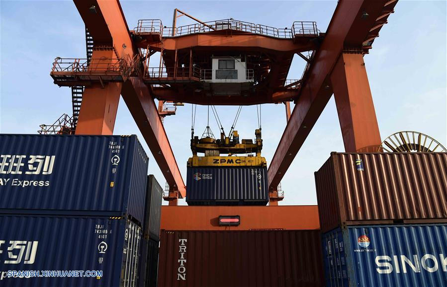 PIB de China crece 6,8% en primer semestre de 2018