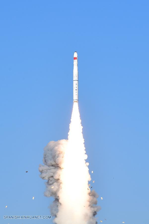 China lanza dos satélites para tomar imágenes multiespectrales