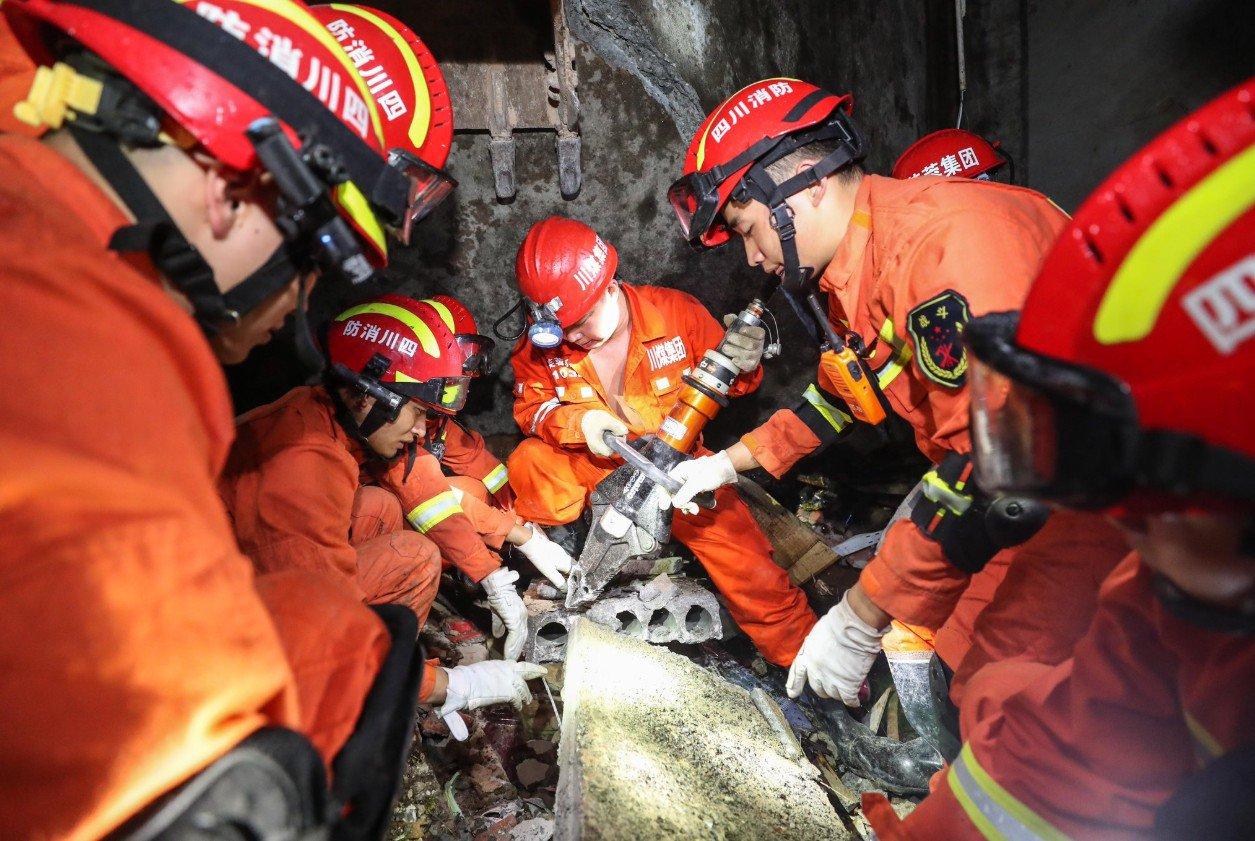 Sube a 13 cifra de muertos por sismo en suroeste de China, dice ministerio