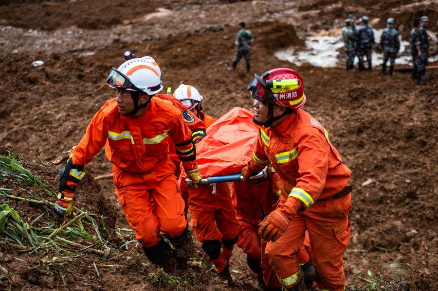 Xi ordena realizar todos esfuerzos de rescate tras corrimiento de tierras en suroeste de China