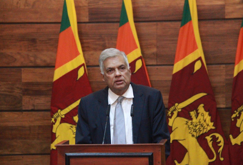 Renuncia el primer ministro de Sri Lanka