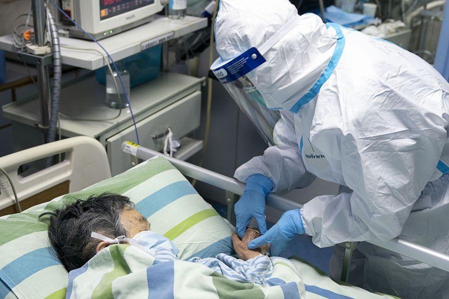 China confirma 4 mil 515 casos de neumonía causada por nuevo coronavirus y 106 fallecimientos