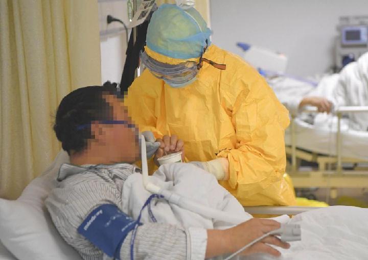 Cobertura de seguro médico en China para pacientes de COVID-19 asciende a 247,5 millones de dólares