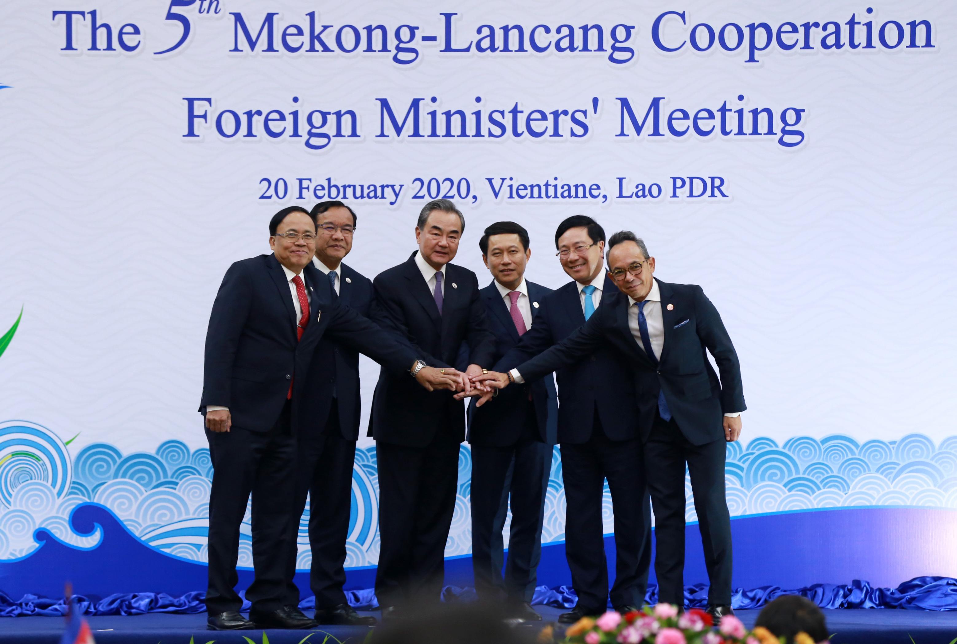 Países del Lancang-Mekong trabajarán juntos para superar dificultades, según Wang Yi